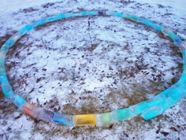 szivárvány színű iglu tejes dobozokból - az első kör