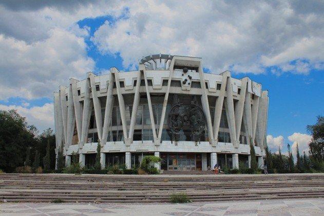 elhagyatott-cirkusz-moldova-fovarosaban-01