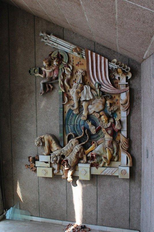 elhagyatott-cirkusz-moldova-fovarosaban-07