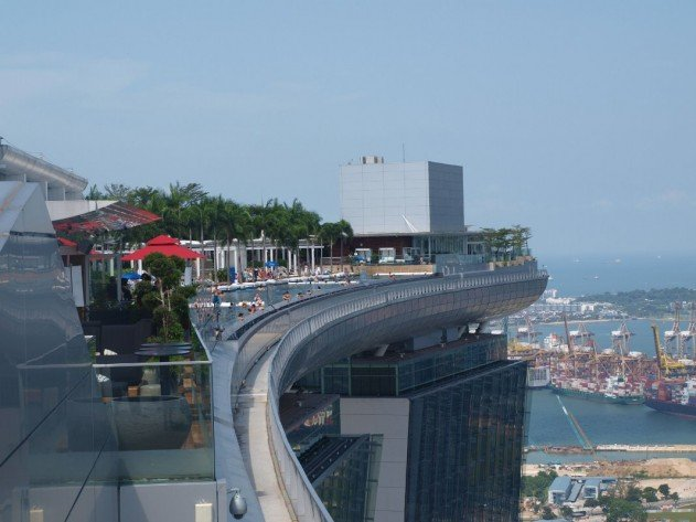 szingapur-marina-bay-sands-hotel-vegtelen-medence-15