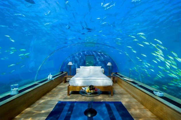 viz-alatti-szoba-a-maldiv-szigeteken-01