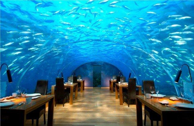 viz-alatti-szoba-a-maldiv-szigeteken-02
