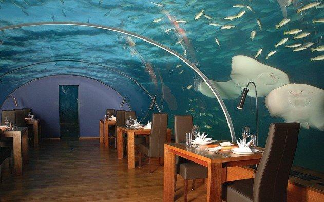 viz-alatti-szoba-a-maldiv-szigeteken-03