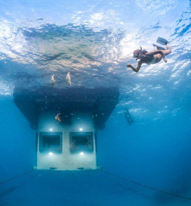 hotelszoba-a-vizen-viz-alatti-haloszobaval-05