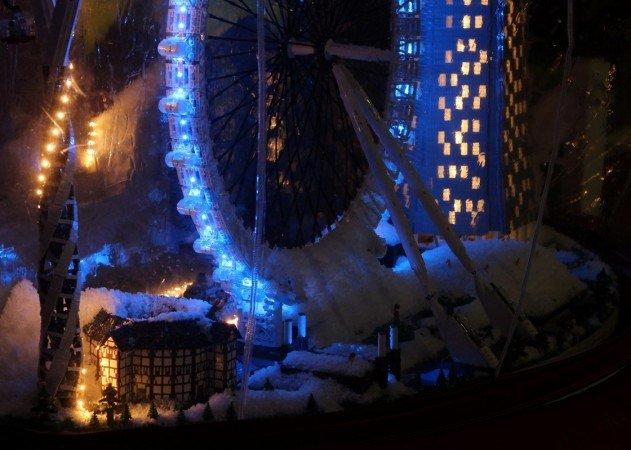 london-lego-hogomb-snow-globe-covent-garden-04