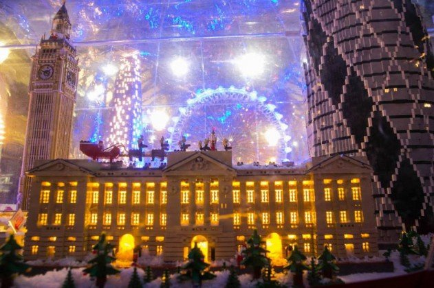 london-lego-hogomb-snow-globe-covent-garden-07