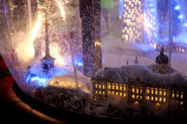 london-lego-hogomb-snow-globe-covent-garden-10