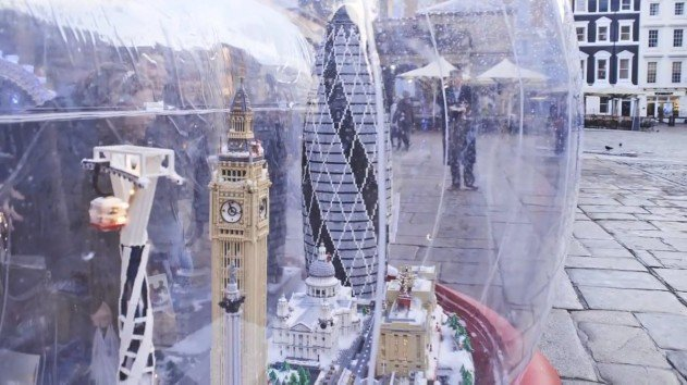 london-lego-hogomb-snow-globe-covent-garden-22